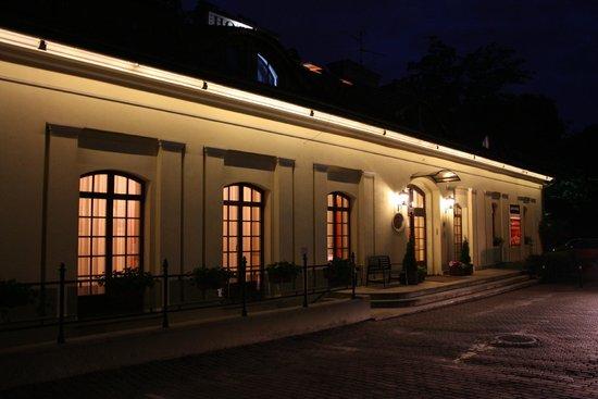 Maltanski Hotel : Night shot of the Maltanski