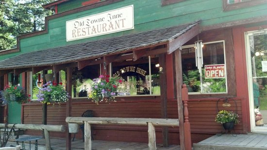 Old Towne Inne Chuckwagon Bar & Grill