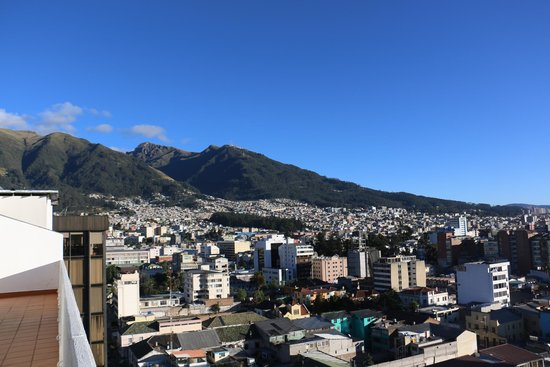 Mercure Hotel Alameda Quito : View from balcony of our room.