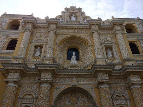 Iglesia de La Merced: Великолепный фасад