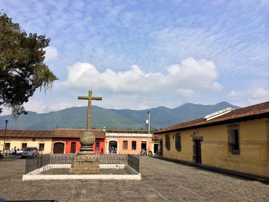 Iglesia de La Merced: Площадь перед церковью