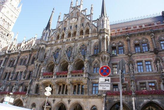 New Town Hall (Neus Rathaus) : Neus Rathaus