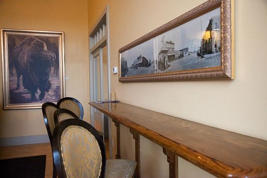 The Windsor Hotel Dining Room: Bistro BARbara