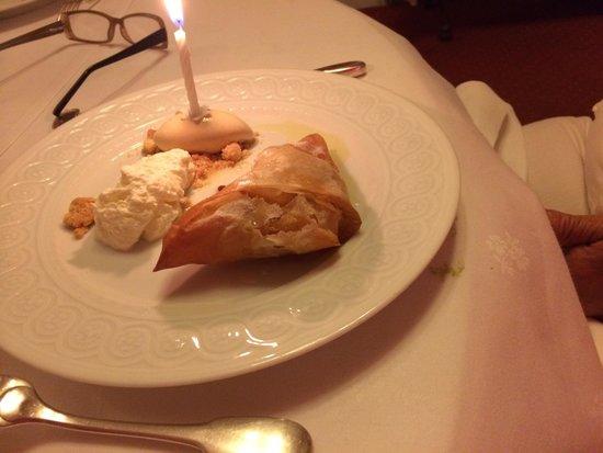 Les Chaumieres de Nexon : Desert - a bew version of applie pie a la mode! Chaumiere style!