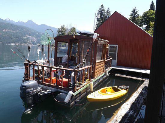 Woodbury Resort & Marina: Funky Fishing Boat