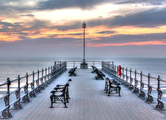 Swanage Bay View: Before the sun comes up across the second pier