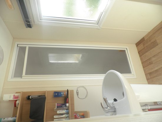 Sol a Gogo : Caravan - shower room