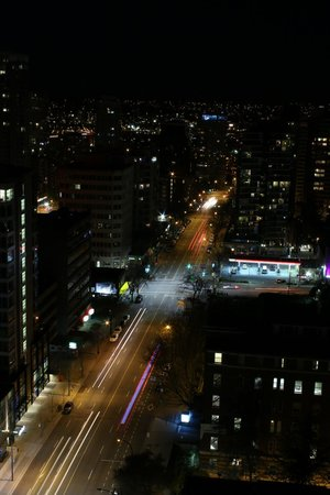 Century Plaza Hotel & Spa: view at night