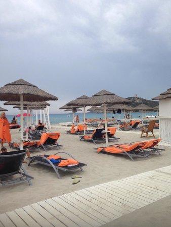 Pullman Timi Ama Sardegna : Spiaggia molto bella e ben attrezzata..