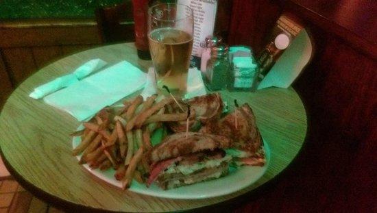 Poe's Pub: Poe's sandwich
