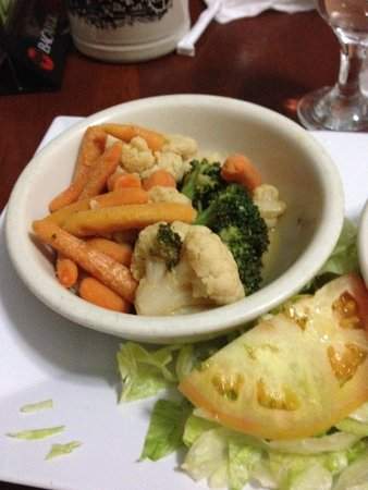 Edelweiss Grill & Bar : -06/27/14: 'Steamed vegetables' - would YOU eat that??? I regret even trying!!!