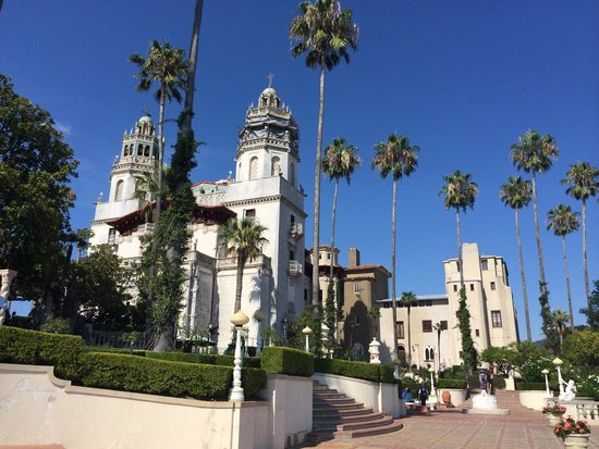 Hearst Castle : Front and side view of them being the house