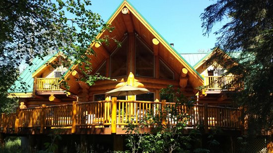 Bob's Cabin & Guide Service: Main Lodge view from the river