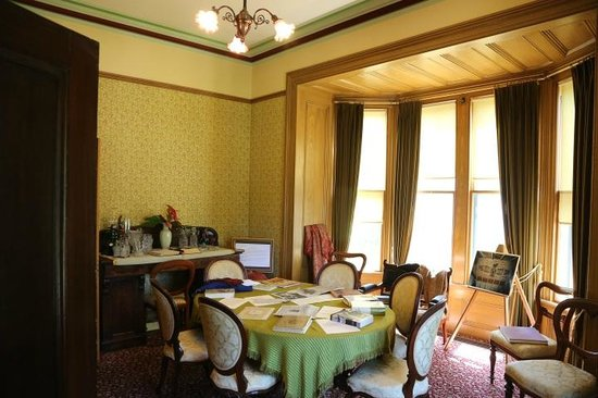 Emily Carr House: Dining room in Carr House was Emily Carr's first studio.