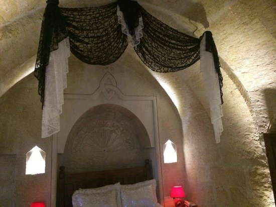 Maccan Cave Hotel: Baldacchino