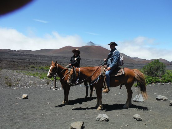 Haleakala Crater: Mounted, ready for the journey back up