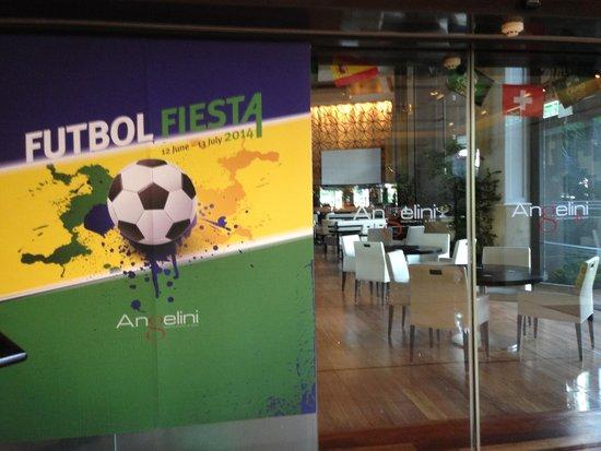 Shangri-La Hotel,Bangkok: You could watch the games Live