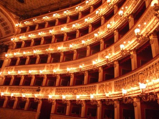 Teatro di San Carlo: Loge Destra