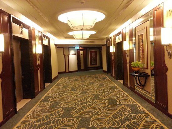 Shangri-La Hotel,Bangkok: hallway