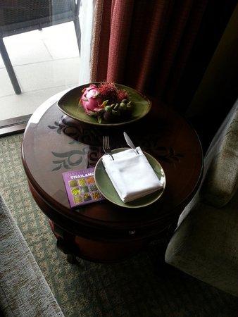 Shangri-La Hotel,Bangkok: A welcome gift- note the fruit guide