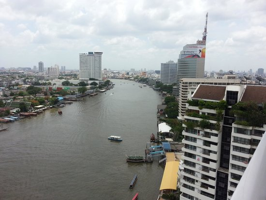 Shangri-La Hotel,Bangkok: Mandarin is second building (shorter) on the right) see my notes