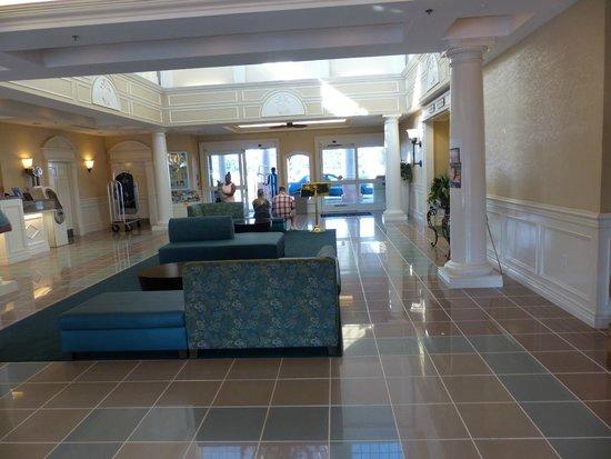 Radisson Resort at the Port: nice lobby