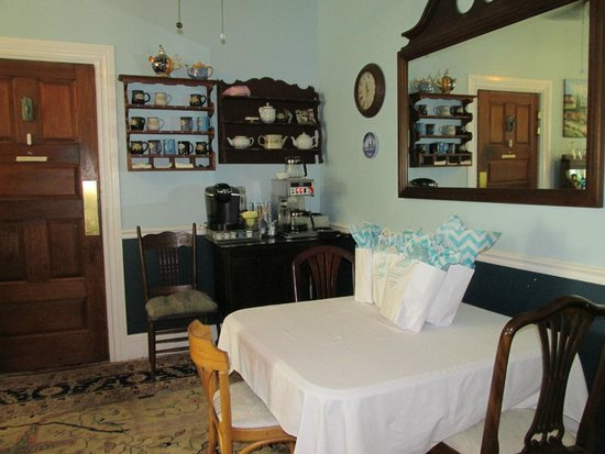 Blueberry Cove Inn : Dining Room