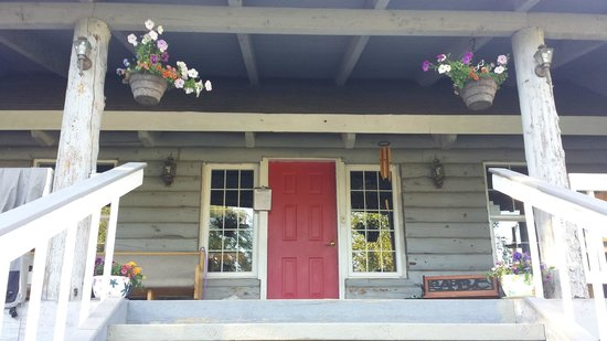 Log Cabin Inn: front porch