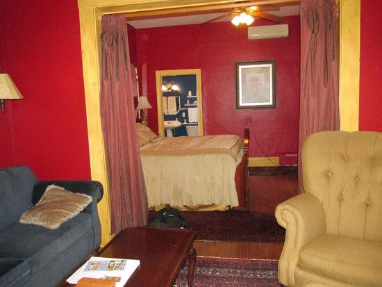 Blueberry Cove Inn: Our suite on first floor