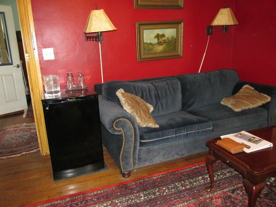 Blueberry Cove Inn: Living room