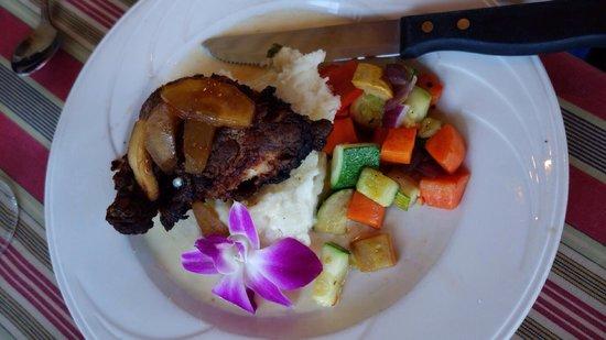 Harrison's Restaurant & Bar: Apple Cider Chicken