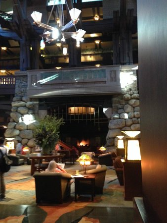 Disney's Grand Californian Hotel & Spa: Grand Lobby