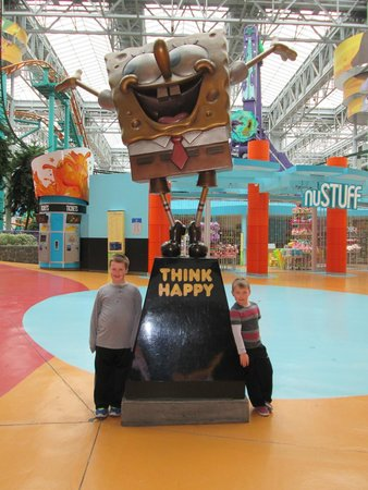 Nickelodeon Universe: The Boys With Sponge Bob