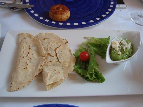 Catedral Restaurante & Bar: Quesadillas de flor de calabaza