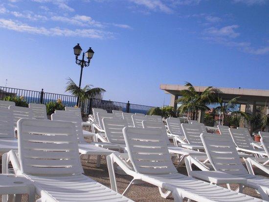 Hotel El Tope : sunbeds