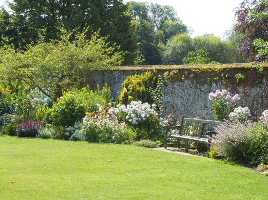 Hospital of St Cross: Master's Garden--lots of benches around the garden