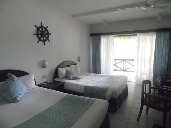 Voyager Beach Resort: inside our room
