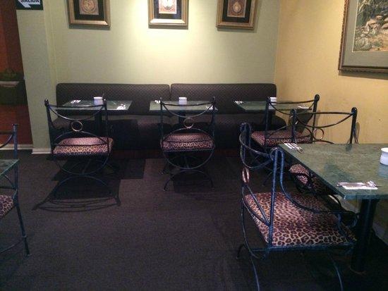 Leon de Oro Inn & Suites : Zona de comedor