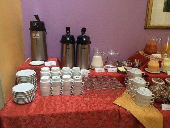 Leon de Oro Inn & Suites : Desayuno