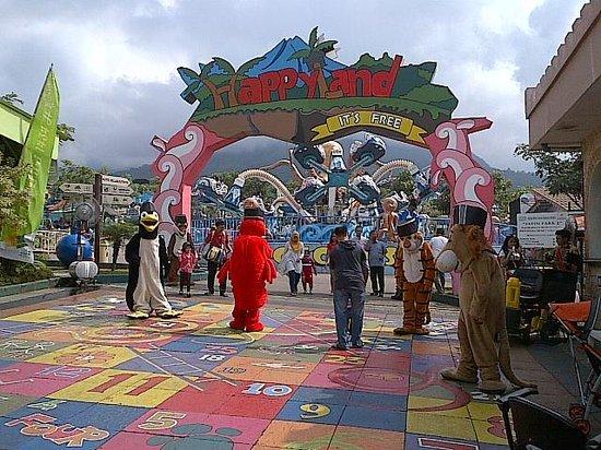 Batu Secret Zoo: Children playground