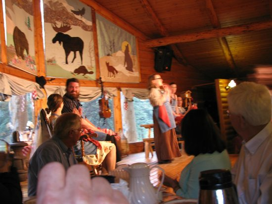 Alaska Cabin Nite Dinner Theater: Cabin Nite with back ground clearly in view.