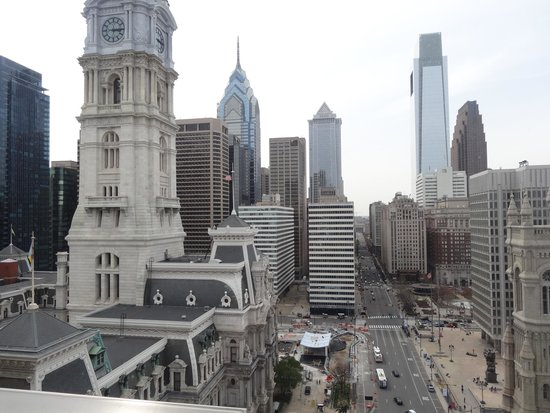 Courtyard by Marriott Philadelphia Downtown: View of City Hall from hotel room