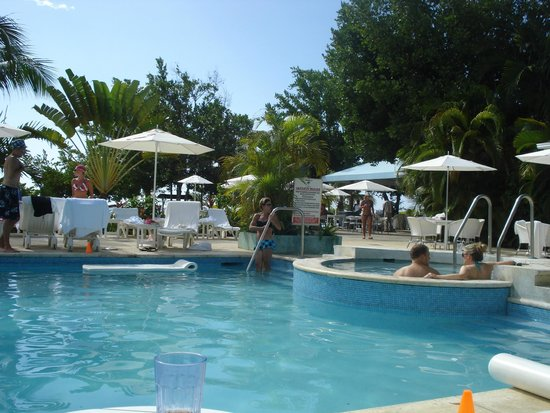 Couples Negril: Pool