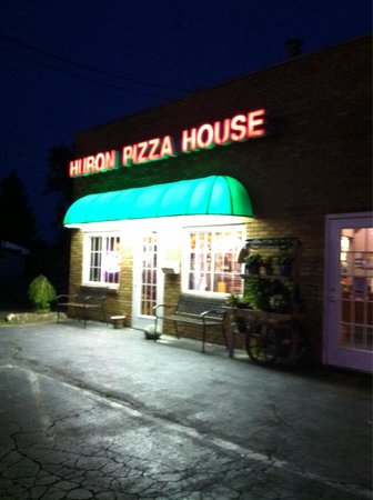 Huron Pizza House