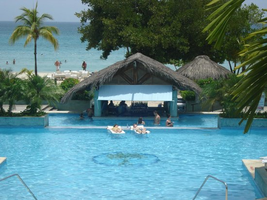 Couples Negril : Pool