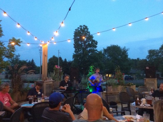 Upland Brewing Company: Live bands occasionally