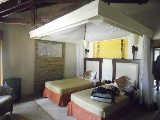 Ol Tukai Lodge: inside our room