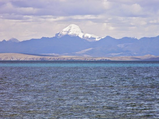 Lake Manasarovar: kailas mountain from Manasarover