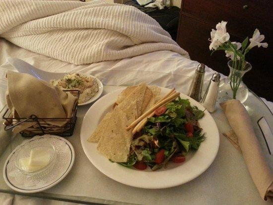 The Coeur d'Alene Resort: Room service