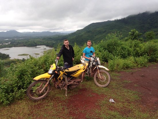 Uncle Tom's Trails - Private Day Tours: Me and my friend up on this beautiful hill with an amazing view